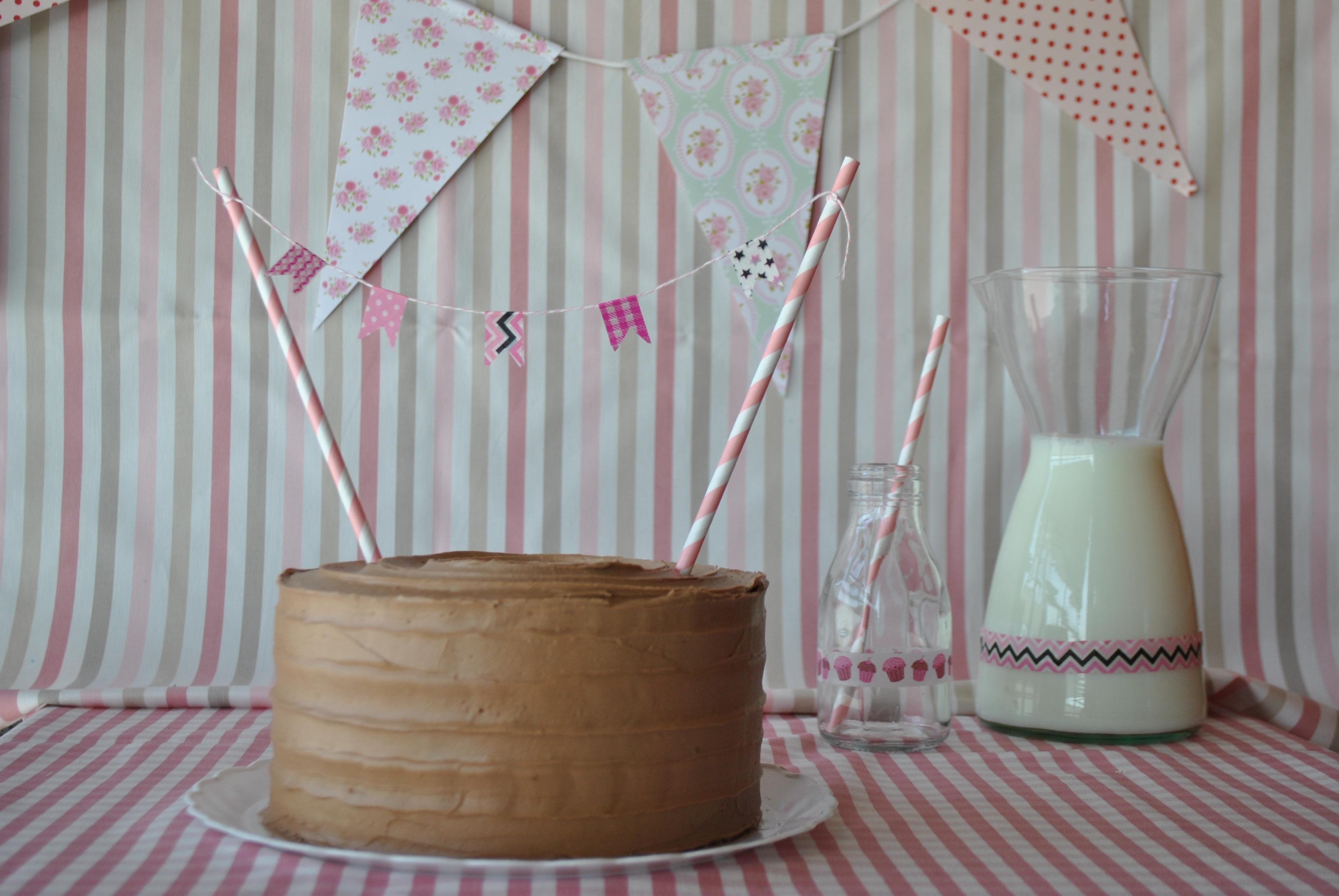 Nutella cake cupcake alicia bakes for you - Tarta red velvet alma obregon ...
